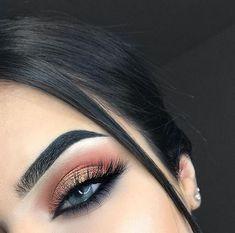 Make-up Bronze Smokey Copper Ideen für 2019 - Prom Makeup Looks Makeup Eye Looks, Cute Makeup, Gorgeous Makeup, Pretty Makeup, Skin Makeup, Makeup Eyeshadow, Glitter Eyeshadow, Eyeshadow Blue Eyes, Glitter Makeup