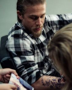 "191 Likes, 3 Comments - Charlie Hunnam FAN PAGE (@charliehunnamlt) on Instagram: ""@entertainmentweekly Sons of anarchy, Jax Teller ♥️ #charliehunnam #jaxteller #sonsofanarchy #soa…"""