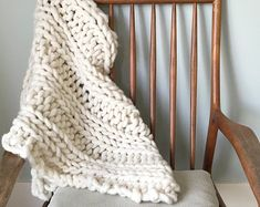 """Giant Knit, Chunky Home Decor Blanket, Chunky Cozy Blanket, Wool Blanket, Natural - """"Ena"""" Throw Knitted Blankets, Merino Wool Blanket, Bed Runner, Cozy Blankets, Cozy House, Chunky Knits, Knitting, Natural, Board"""