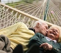 casal idoso, couple, cute, hammock, love, old (Full Size)