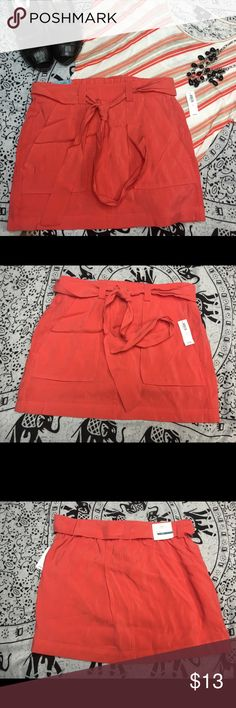 Old Navy skirt Old navy skirt Size s  NWT coral skirt. It's super cute. Old Navy Skirts Mini