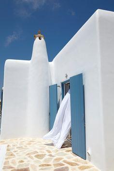 Villa Sunrise - 4 bedroom seafront luxury villa in Mykonos, Greece Beautiful Villas, Beautiful Places, Santorini House, Mykonos Island, Mykonos Greece, Greek House, Mediterranean Architecture, Greece Travel, Greek Islands
