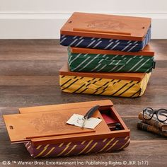 HARRY POTTER™ Superstorage Lapdesk, Hufflepuff #pbteen