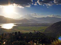 Vista en Amatitlan, Ciudad de Guatemala. Me da esperanza para el futuro.