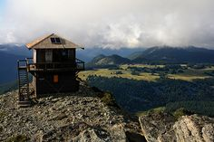 Fremont Fire Lookout hike - Sunrise, Mt. Rainier, the most scenic hike ever.  And medium intensity..