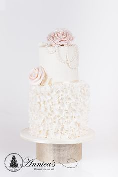Elegant small Wedding Cake with sugar petals and edible pearls, cake by Annica's