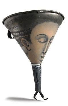 Gilbert Legrand posee la capacidad de dar alma a objetos tristes que nos rodean y de mostrarnos la cara más divertida que ocultan