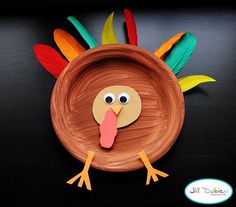 paper plate turkeys- i so wanna make these with my 3 year olds at work! Too cute!