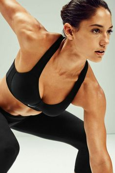 Bend, jump, shuffle and race. The NikeWomen Pro Rival Sports Bra will keep you secure and supported though every move. Sports Models, Sports Women, Gymnastics Girls, Fitness Photography, Muscle Girls, Moda Fitness, Track And Field, Athletic Women, Female Athletes