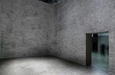 Inside Marc Couturier, Troisième jour (Wall Drawing), 2014. Graphite. Vue d'exposition, Inside, Palais de Tokyo. Crédit photo : André Morin