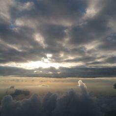 #plane#fly#avion#nuage#cloud#sun#soleil#holyday#vacances#vienne#autriche#bangkok#thailand#instalove#instaphotography#photographer