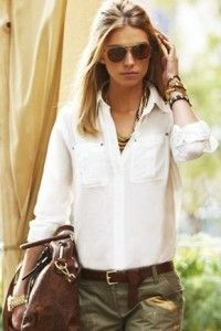 White shirt looks. What to pair a white shirt with. White shirt street style look Safari Chic, Mode Safari, Mode Style, Style Me, Casual Chic, Look Fashion, Womens Fashion, Fashion Trends, Curvy Fashion