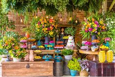 Brazilian Wedding, Sunset Party, Happy Birthday Photos, Island Theme, Wedding Decorations, Table Decorations, Tropical Garden, Baby Birthday, Simple Weddings
