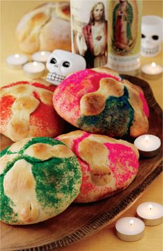 Pan de Muerto - this looks like a lot of work, and a lot of eggs.  Guess it's best to make it with meringues.