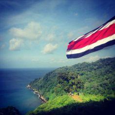 Isla del Coco. Este paraíso natural de nuestro país se encuentra a aproximadamente 28 horas del territorio continental de Costa Rica y es uno de los lugares del mundo con mayor cantidad de riquezas naturales. VMA.  Casa Presidencial Costa Rica.