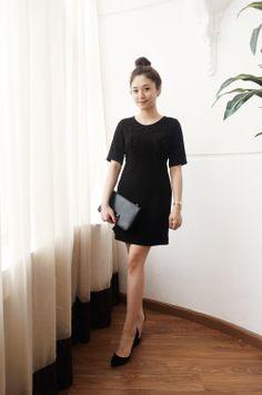 Đầm đen đính cườm