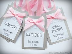 Kolorowe zawieszki koronkowe Wedding Stationery, Wedding Table, Wedding Colors, Invitations, Frame, Flowers, Cards, Diy, Weeding