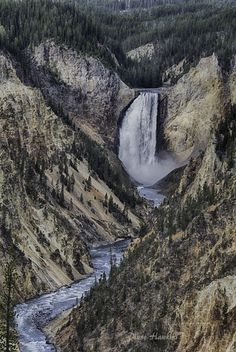 Yellowstone river and falls by Diane Hawkins on 500px.