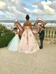 Responsible discovered quinceanera decorations diy Share your work Quinceanera Dresses, Quinceanera Planning, Quinceanera Decorations, Quinceanera Party, Quince Decorations, Sweet 16 Pictures, Quince Pictures, Sweet 16 Fotos, Sweet 15