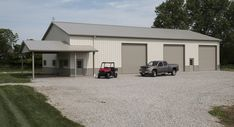 Learn about the numerous options Morton Buildings offers in its metal and steel garages. Everything from living quarters to hydraulic doors is available. Steel Building Homes, Metal Shop Building, Morton Building, Building A House, Steel Garage Buildings, Shop Buildings, Pole Buildings, Metal House Plans, Barn House Plans