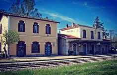 Greece, Train Stations, Traditional, Mansions, Architecture, House Styles, Places, Home, Transportation