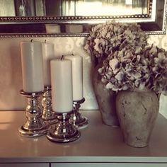Those vases..