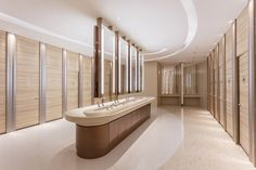 Best Place to find hotel lobby design Interior Design Toilet, Washroom Design, Toilet Design, Bathroom Interior, Modern Bathroom, Modern Hotel Lobby, Hotel Lobby Design, Wc Design, Bath Design