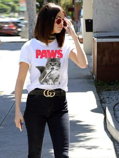 Paws/jaws white tee, gucci belt and black skinny jeans #casualfashion #trendingfashion #selenagomez