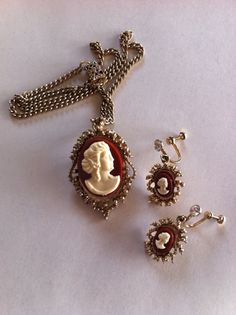 Vintage Cameo Necklace and Earring Set by VintageBaublesnBits, $15.00