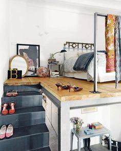 Scandinavian mezzanine   Ça toujours été un de mes rêves d'enfant d'avoir un lit sur un deuxième étage dans une même pièce!  Raconte comment serait ta maison idéale.