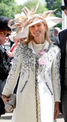 Philip Treacy, Vestidos Valentino, Kate Middleton, Marie Chantal Of Greece, Greek Royalty, Greek Royal Family, Alexander Mcqueen, Royal Clothing, Estilo Real