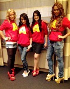 Popstars Band Queensberry mit High Heels aus unserem Schuhshop.