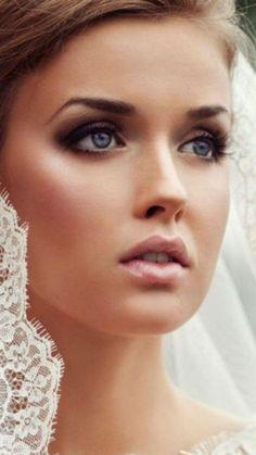 Vintage Makeup Top 10 Wedding Day Makeup Mistakes to Avoid Wedding Makeup Tips, Bridal Makeup Looks, Wedding Hair And Makeup, Bridal Beauty, Wedding Beauty, Bridal Looks, Pretty Makeup, Gorgeous Makeup, Bridal Makeup For Blondes
