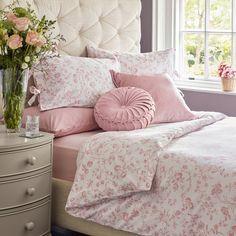 Pink Bedrooms, Shabby Chic Bedrooms, Bedroom Vintage, Shabby Chic Headboard, Bedroom Themes, Bedroom Decor, Bedroom Inspo, Bedroom Ideas, Laura Ashley Bedroom
