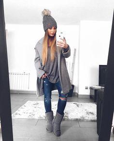 G r e y (solo los jeans de temporada) #ootd#outfit#look#mood#fashion#instablogger#like4like#followme#good#instagood#style#moda#coat#grey#streetstyle#prettylittleiiinspo#hair#girl#ldnfashiontrends#estilo#instasize#instalike#instaselfie