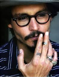 Johnny Depp - Men who wear glasses are sexy! Johnny Depp Tumblr, Marlon Brando, Johnny Depp Tattoos, Beautiful Men, Beautiful People, Dead Gorgeous, Hello Gorgeous, Beautiful Hands, Don Corleone