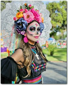 Halloween Inspo, Halloween Makeup Looks, Family Halloween Costumes, Halloween Kostüm, Halloween Decorations, Halloween Makeup Sugar Skull, Sugar Skull Costume, Sugar Skull Makeup, Sugar Skulls