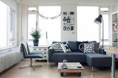 Salon scandinave avec une petite table basse en palette  http://www.homelisty.com/table-basse-palette/