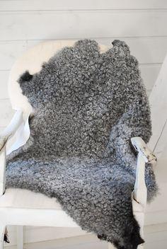 B I S K O P S G Å R D E N: Värmande fårskinn