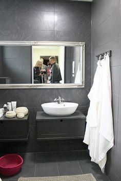 Asuntomessuilla: Kylppärit ja saunat | Esmeralda's (peili)