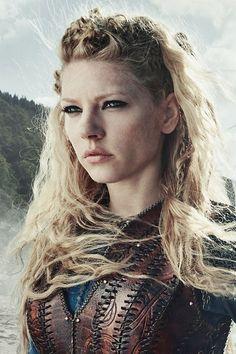 KATHERYN WINNICK - Lagertha dans la série Vikings