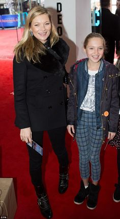 Kate Moss makes rare appearance with daughter Lila Grace at Paddington premiere | Daily Mail Online