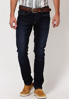 Navy blue coloured, washed-effect jeans for men from the house of Web Jeans. These mid-rise, slim-fit jeans are made of denim. Step out in comfort and style wearing these navy blue coloured jeans from the house of Web Jeans. These slim-fit jeans feature washed effect for distinctive appeal. Made of denim, these jeans are lightweight and skin-friendly.