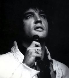 1969 Elvis...love this picture of him