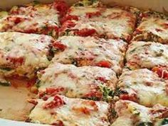 Vegetable lasagna for low carb diets - Ingredients minced beef 200 g grated mozzarella 1 aubergine 1 zucchini 1 onion 1 clove of garl - Slow Cooker Recipes, Low Carb Recipes, Vegetarian Recipes, Healthy Recipes, Salad Recipes, Low Carb Diets, Vegetable Lasagne, Vegetable Casserole, Low Carb Greek Yogurt