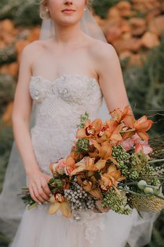 Amber coloured bridal bouquet with orchids Yellow Bridesmaid Dresses, Wedding Dresses, Flawless Beauty, Amber Color, Black Decor, Orchids, One Shoulder Wedding Dress, Wedding Venues, Bouquet