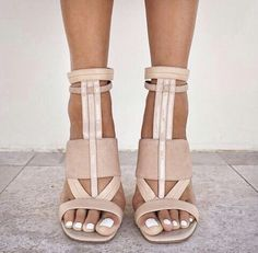 Love these beige heels! I need to know the designer?!
