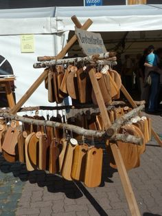 These wooden cutting boards seem to be available everywhere. They are always at medieval festivals, harvest festivals, Roman festivals.........