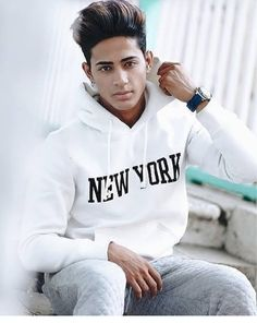 Bol yarr Safina bol kuch are u happy by seeing me like this Portrait Photography Men, Photography Poses For Men, New Photo Style, Photo Pose For Man, Danish Image, Danish Men, Best Photo Poses, Fashion Model Poses, Danish Fashion