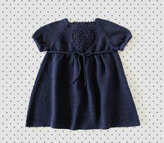 Трикотажные платья младенца. Темно-синий. Вязание крючком сердце. 100% по tenderblue